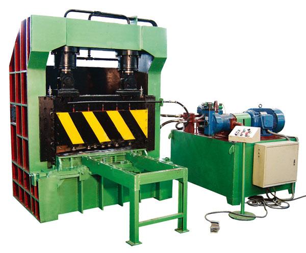 Q15-400型剪板机
